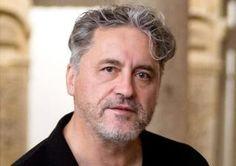 Manuel Rivas Barrós, nado no barrio coruñés de Montealto o 26 de outubro de 1957, é un escritor, poeta, ensaísta e xornalista galego. Así mesmo, dende o 31 de xullo de 2009 é académico da RAG.