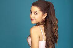 Ariana Grande Debuts At No. 1 On Billboard 200