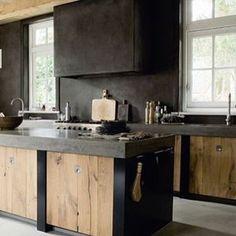Inspiratie voor onze nieuwe keuken!#pinterest #keuken #kalkverf #grijs#stoer #beton #eikenhout