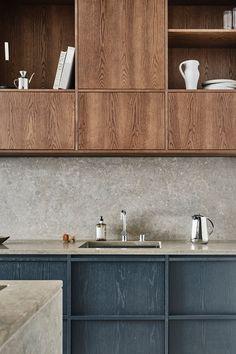 Wooden Kitchen, Rustic Kitchen, Country Kitchen, Installing Kitchen Cabinets, Building Kitchen Cabinets, Wood Interior Design, Interior Styling, Kitchen Furniture, Kitchen Interior