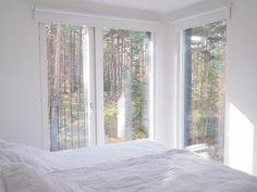 Bedroom with views Tiny House, Windows, Curtains, House Interiors, Bedroom, House Ideas, Interior Design, Home Decor, Nest Design