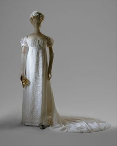Directoire/Empire Period Dress, Evening Date: Culture: French Medium: cotton Purchase, Gifts in memory of Elizabeth N. 1800s Fashion, Vintage Fashion, French Fashion, Vintage Dresses, Vintage Outfits, Style Empire, Regency Dress, Regency Era, Costume Institute
