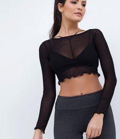 Blusa feminina  Cropped  Em tule  Manga longa  Marca: Get Over  Modelo veste tamanho: P    Veja outras opções de   blusas femininas.