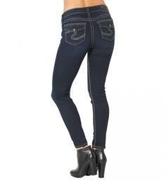 Our Suki Mid Super Skinny has a silhouette that tapers to the knee and then narrows significantly to the bottom hem. Silver Jeans Co. Super Skinny Legs are cons