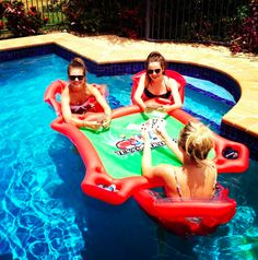 sooo cooool! play cards in a pool!