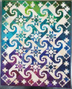 I absolutely love this pattern. Quilt Inspiration: Straight piecing patterns that appear curved: Snails Trail and Kaleidoscope Star Quilts, Scrappy Quilts, Quilt Blocks, Batik Quilts, Quilting Projects, Quilting Designs, Quilt Design, Patchwork Designs, Storm At Sea Quilt