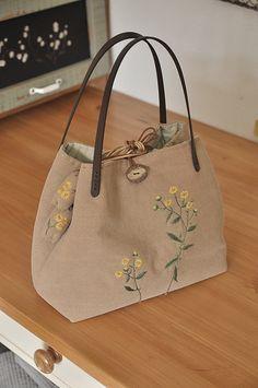 금불초...조리개가방과 변산바람꽃.. 안경집,야생화자수 : 네이버 블로그