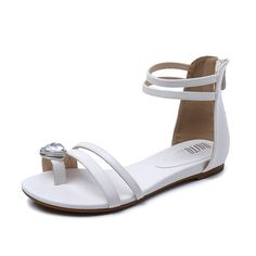 Korean version of the low flat number combination in the summer sandals *** Check out the image by visiting the link.