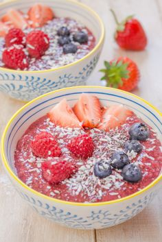 Refreshing Berry Chia Pudding with Kiwi and Apricots - Great for hot summer days!