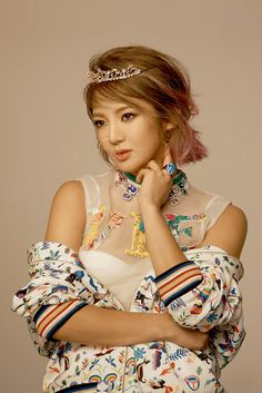 Mesmerizing behind the scene pictures from SNSD HyoYeon' CeCi pictorial ~ Wonderful Generation