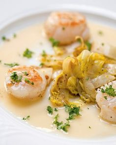 Dutch Recipes, Fish Recipes, Seafood Recipes, Italian Recipes, Salmon Dishes, Fish Dishes, Tzatziki Recipes, Bistro Food, Coquille Saint Jacques