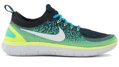 Las zapatillas de running Nike Free RN Distance 2 son unas zapatillas para entrenamientos diarios pensadas por Nike Para las salidas más largas y que proporcionan unas sensaciones naturales. Cuentan con una baja transición talón-puntera y un diseño ligero, y te proporcionan una amortiguación excepcional en tus carreras más largas...