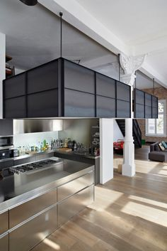 The Canal House, a historic loft on one of the Dutch canals in Amsterdam, refurbished by Houtwerk BV