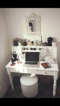 Find Your Fantasy Makeup Room Inspiration Here . Decor, Beauty Room, White Dressing Tables, House Design, Room Inspiration, Interior, Bedroom Decor, Home Decor, Room Decor
