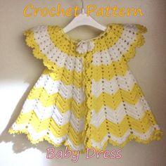 CROCHET bebé niña vestido primer traje bebé por SandraHandmadeShop