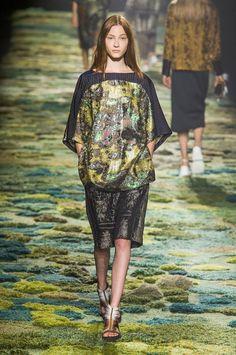 http://www.fashionising.com/runway/b--dries-van-noten-ss-15-80458.html