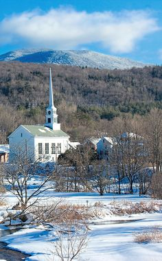 Burj Khalifa, Vermont, Over The Years, New England, Famous People, Skiing, Mansions, House Styles, Building
