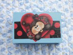 Caja de madera  azul decorada con mariquita en por Hermitinas, €12.00