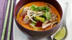 Spicy Coconut Chicken Soup ---- Vermicelli Noodles tsp Peanut Oil tbs Red Curry Paste Chicken Thigh Fillets, sliced cups Water light Coconut Milk cup Broccoli Florets cup Bean sprouts ▲½ cup fresh Coriander leaves sliced Red Chilli ▲to Serve: Lime wedges Chicken Soup Recipes, Easy Soup Recipes, Cooking Recipes, Healthy Recipes, Healthy Soups, What's Cooking, Healthy Habits, Yummy Recipes, Coconut Chicken
