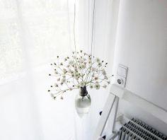 Light bulb vase - unique large lightbulb w/ large flower arrangement