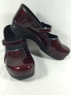 1aca2fbb61a1 Dansko Leather Solid Shoes Nursing   Uniform for Women
