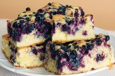 Melt In Your Mouth Blueberry Cake Recipe from Scratch with Fresh Blueberries - Delicious recipes Just Desserts, Delicious Desserts, Dessert Recipes, Yummy Food, Picnic Desserts, Quick Dessert, Cupcake Recipes, Healthy Desserts, Blueberry Cake