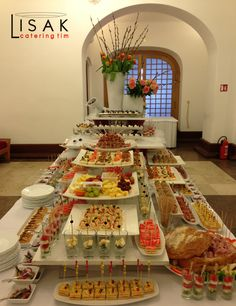 Catering team Lisak fingerfood......love the set up with Meridith's…