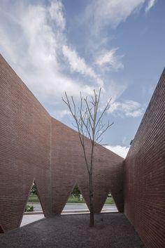 Gallery of Maria Montessori Mazatlán School / EPArquitectos + Estudio Macías Peredo - 19