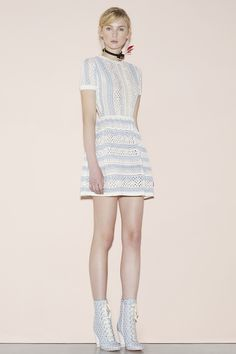 Red Valentino Spring 2016 Ready-to-Wear Collection Photos - Vogue  http://www.vogue.com/fashion-shows/spring-2016-ready-to-wear/red-valentino/slideshow/collection#30