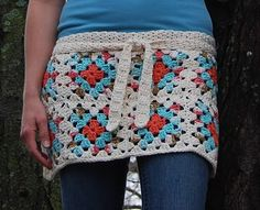 Love this granny square apron from Tangled Happy!  @Kristen Treacy when I'm back we're totally making these!