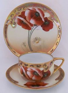 Pickard Poppy and Daisy Cup Saucer Plate by Osborne Art Studio Vintage Cups, Vintage Tea, Cup And Saucer Set, Tea Cup Saucer, Teapots And Cups, Teacups, Café Chocolate, China Tea Cups, Tea Art
