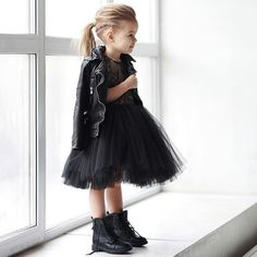 ✌️Для самых смелых хулиганок❤️.На заказ,с удовольствием отошьем это чудо!) Хлопок,кружево..фатин..ну и необыкновенный черный⚫️!Мрачно?Нееет)))!!!!Стильно?Дааа!!!Цена: 9000.#miko_kids #conceptkidswear #fashion #fashionkids #black #loveblack #dress#назаказ #платьепачка #платьедлядевочки Little Girl Fashion, Little Girl Dresses, Toddler Fashion, Kids Fashion, Girls Dresses, Emo Fashion, October Fashion, Style Hipster, Black Tutu