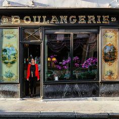 Parisian Spirit through its Shop Signs – Fubiz Media