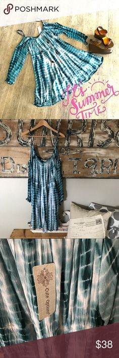 NWT tie dye plus size dress Very saturated color Flowing material makes for the perfect summer dress. Adjustable straps Dresses Mini