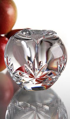 Cashs Annestown Large Apple Paperweight