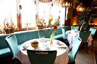 Unser gemütliches Restaurant bietet Ihnen eine interessante Auswahl an gut bürgerlichen Gerichten an. Das Hotel, Restaurant, Table Settings, Hotels, Recovery, Vacation, Diner Restaurant, Place Settings, Restaurants