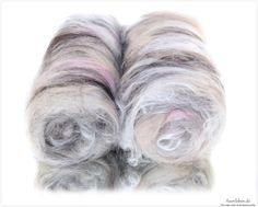 Silky Alpaca  Alpaca Fasern hell beige und dunkelbraun Schneeweisse Maulbeerseide Angorafasern von meiner süßen Elfriede in Altrosa Weisse Merino & Tussahseide  2 Batts (insg. 79g) zum Verspinnen, Filzen und Basteln.  Zusammensetzung: 56,99% Alpaca, 29,11% Maulbeerseide, 10,12% Angora, 1,89% Tussahseide 1,89% Merino