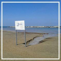 Il #sourcion la #sorgente sulla #spiaggia di #viserba #fiume #river  #mare #sea #beach #rimini #riviera #romagna #igersfc #ig_rimini_ #ig_forli_cesena #ig_emilia_romagna #ig_emiliaromagna #vivoitalia #vivoemiliaromagna #vivocesena #vivorimini #volgoitalia #volgoemiliaromagna #volgorimini #myrimini #raccontarimini