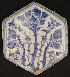Hexagonal Tile  Object Name:     Hexagonal tile Date:     second half 15th century Geography:     Egypt Medium:     Stonepaste; underglaze painted Classification:     Ceramics