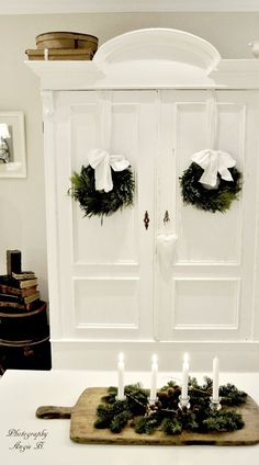 simple wreaths against white Dreams Come True: Dezember 2011