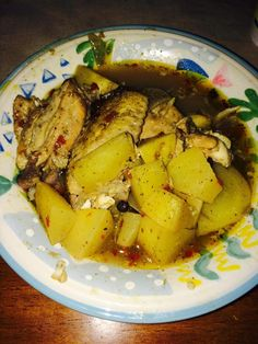 How I Make Chicken Souse This traditional Bahamian dish is a household favorite! My Recipes, Dinner Recipes, Cooking Recipes, Healthy Recipes, Dinner Ideas, Healthy Food, Recipies, Bahamian Chicken Souse Recipe, Caribbean Recipes