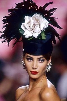Christy Turlington for Valentino, ✿✿ڿڰۣ(̆̃̃-- ♥ Donna-NYrockphotogirl Christy Turlington, Sombreros Fascinator, Fascinator Hats, Fascinators, Headpieces, Crazy Hats, Kentucky Derby Hats, Stylish Hats, Fancy Hats