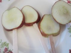 Here is a quick lil post I wanted to share just in time for apple season! Who doesn't love a delicious candy apple??!?! I do but they are pretty hard for a kiddo to eat- so try out this sligh…