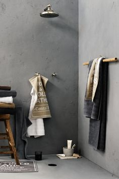 Tips And Ideas For Your Rustic Bathroom Project Rustic Bathroom Decor, Rustic Bathrooms, Bathroom Styling, Bathroom Interior, Modern Bathroom, Bad Inspiration, Bathroom Inspiration, Interior Inspiration, Concrete Interiors