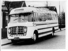 Bus van Jan de Zwart, een bekende buschauffeur van de ZWH. Mijn broer Peter werkte toen als automonteur bij de ZWH.