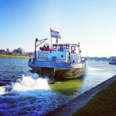 #binnenvaart #inlandshipping #instamaritime #instalogistics #maasbracht #maastricht #maas #oldschool #ship