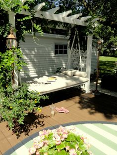 💖 Pergola / Arbor with a futon swing that folds down to make a bed swing! The perfect idea for relaxing with a good book in the garden on a lazy afternoon. Pergola Patio, Backyard Patio, Backyard Landscaping, Pergola Kits, Landscaping Design, Garden Nook, Garden Cottage, Backyard Cottage, Arbor Swing