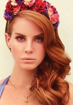 Lana Del Rey Freckles, Copper-, Ginger-, Red- and Fireheads! ♥ I need to dye/pencil my eyebrows this color...