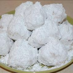 Kourabiedes - Greek cookies....yummy!