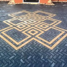 Leading block paving and driveway contractors throughout Yorkshire and Lincolnshire. Our block paving service has a 5 year warranty. Outside Flooring, Patio Flooring, Flooring Ideas, Block Paving Driveway, Driveway Design, Paver Patterns, Paving Pattern, Garden Tiles, Brick Garden